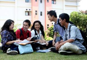 Bersama para Sahabat kampus Fikom Unpad. (foto2 koleksi pribadi)