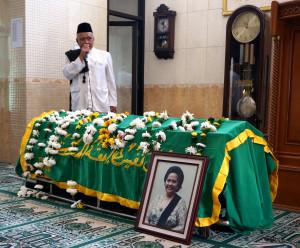 Doa Buat Almarhum di Pesantren Annur Kebonkopi Cimahi.
