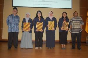 Penghargaan Mahasiswa berprestasi Fikom Unpad (Foto Suwito)
