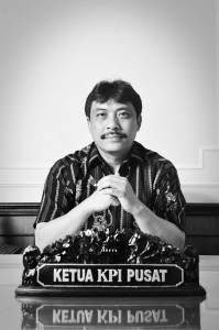 Dr. Dadang Rahmat Hidayat saat menjabat Ketua KPI (Foto Fikarazmy.wordpress.com)