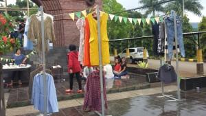 Surprise Sale di Gerbang Lama Unpad. (Foto Shafira Putri)