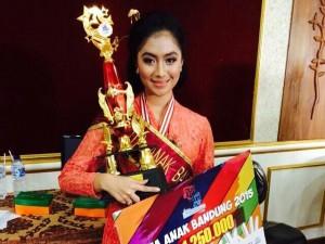 Syahla Quenna Recarvi  siswi SMP 5 Bandung, terpilih sebagai Duta Anak Bandung 2015