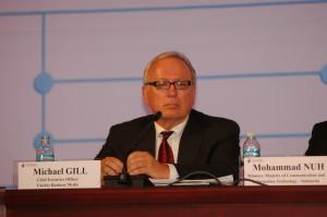Michael Gill dalam sebuah forum bersama Mendikbud Moh Nuh (Foto Ist)